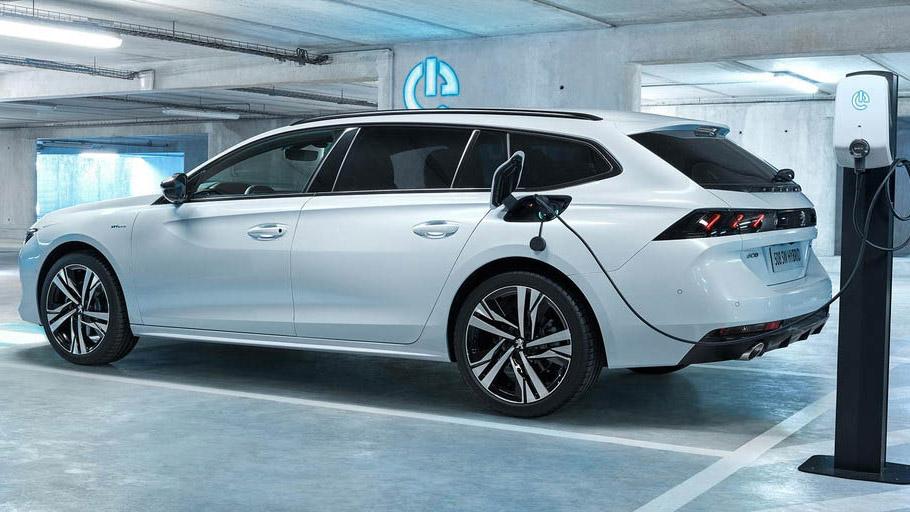 Peugeot hybrid 308 et 508 Garage Ballaigues